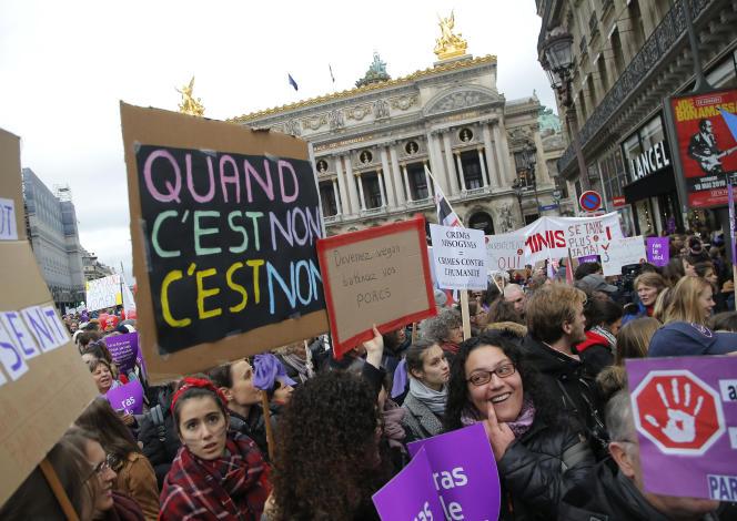 Manifestation contre les violences sexistes et sexuelles, place de l'Opéra, à Paris, le 24 novembre.