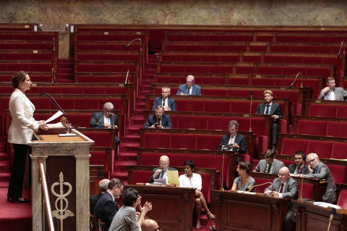 La ministre de l'environnement, Ségolène Royal, avant le vote de la loi sur la transition énergétique à l'Assemblée nationale, le 22 juillet 2015, à Paris.