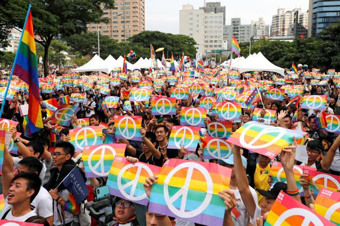 Manifestation en faveur du mariage homosexuel, le 25 novembre. Mais la mesure a été rejetée par référendum.