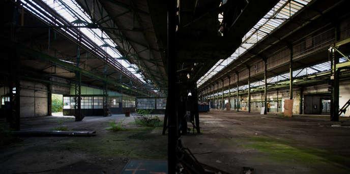 Ci-dessus, l'usine Babcock abandonnée, à la Courneuve (Seine-Saint-Denis).