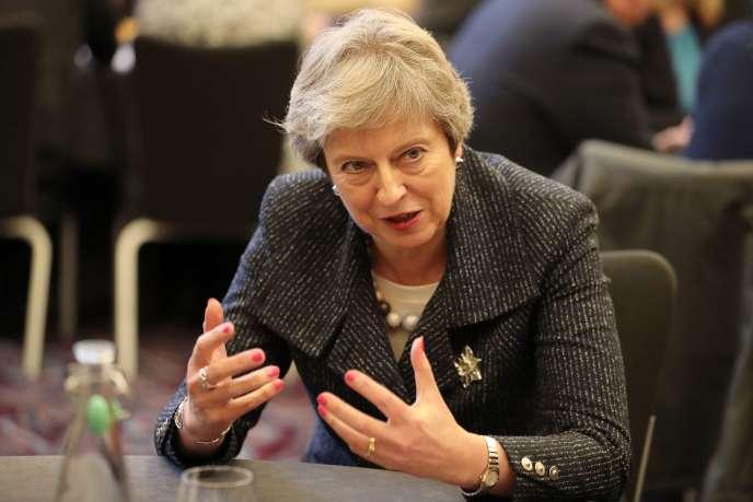 Theresa May, à Belfast, le 27 novembre.