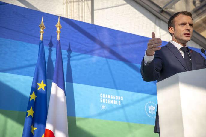 Emmanuel Macron, président de la République, fait un discours après l'installation du Haut-Conseil pour le climat au Palais de l'Elysée à paris, mardi 27 novembre 2018.