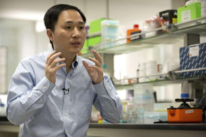 Le chercheur He Jankui à Shenzhen (Chine), le 10 octobre. Il a annoncé, lundi 26 novembre, la naissance de deux jumelles«génétiquement modifiées».
