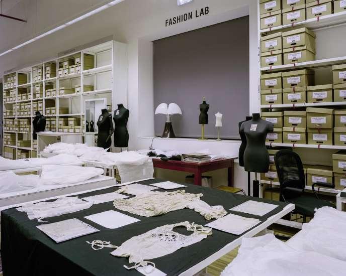 Une partie des archives de la marque Max Mara.