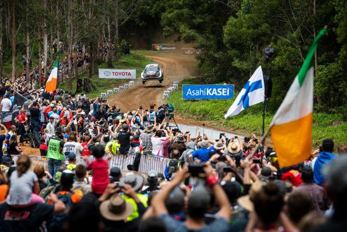 Le duo Sébastien Ogier-Julien Ingrassia (M-Sport) bondit vers la victoire le 18 novembre à Coffs Harbour (Australie).