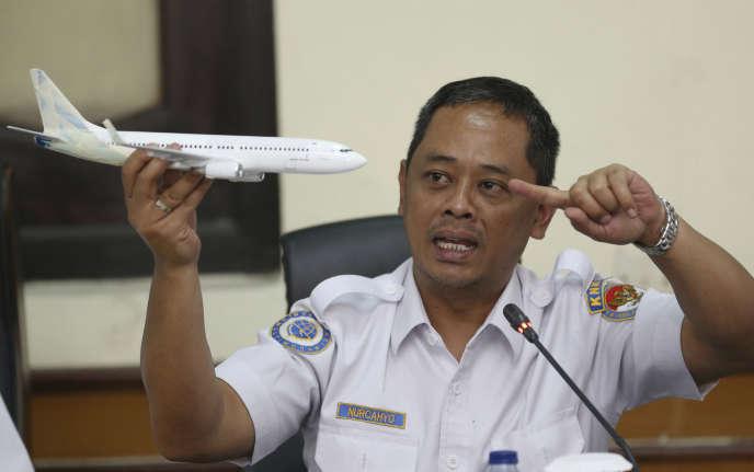Nurcahyo Utomo, le responsable de l'agence de sécurité des transports chargée de l'enquête, lors d'une conférence de presse sur le crash de l'avion de Lion Air, à Djakarta, en Indonésie,le 28novembre2018.