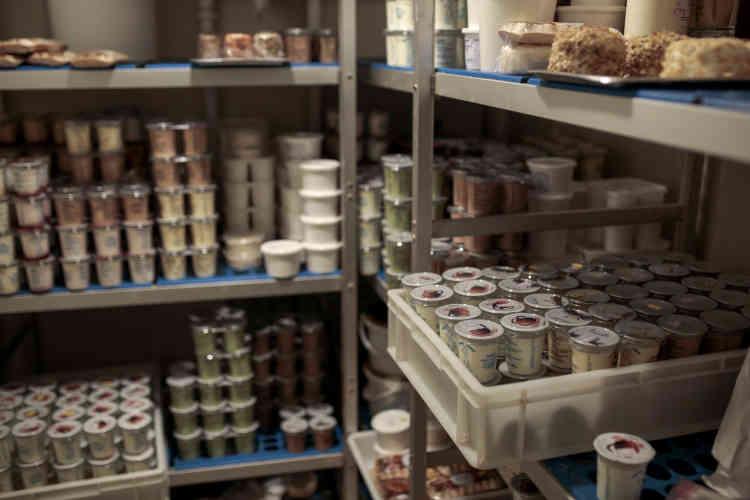 Les produits laitiers vendus à la cantine de Sourcieux-les-Mines représentent environ 10 % du chiffre d'affaires de la fromagerie.