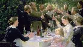 Cette toile montre, dans sa dimension festive et amicale, le pouvoir de communion du champagne. Il ne s'agit pas d'une famille élargie mais de la réunion de plusieurs artistes à Skagen, au Danemark, village de pêcheurs remarqué pour sa lumière. Les peintres danois, norvégiens et suédois trinquent à leur communauté artistique, soudée autour de Skagen à la fin du XIXe siècle. Les femmes (la mère, à droite, est la peintre Anna Ancher) sont plus réservées mais trinquent aussi. Même la petite fille est invitée à la fête. On distingue sur la table, outre une bouteille de vin rouge, quatre bouteilles de champagne. On ne sait pas si un repas a eu lieu ou aura lieu, il n'y en a aucune trace. Il s'agit peut-être d'un toast en plein après-midi. En tout cas, les flûtes sont de mise et le soleil se concentre dans le liquide doré des verres.