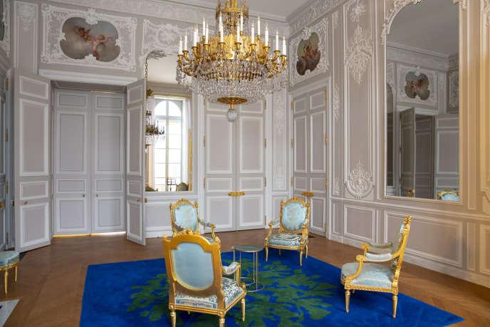 Le salon des Aides-de-camps vient d'être entièrement refait au palais de l'Elysée. A Paris, le 22 novembre 2018.