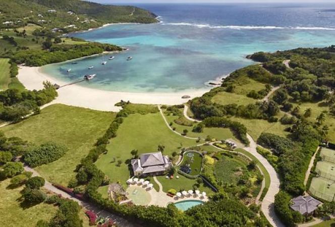 L'archipel de Saint-Vincent-et-les-Grenadines, dont Canouan fait partie, est à l'extrémité orientale du paradis caribéen.