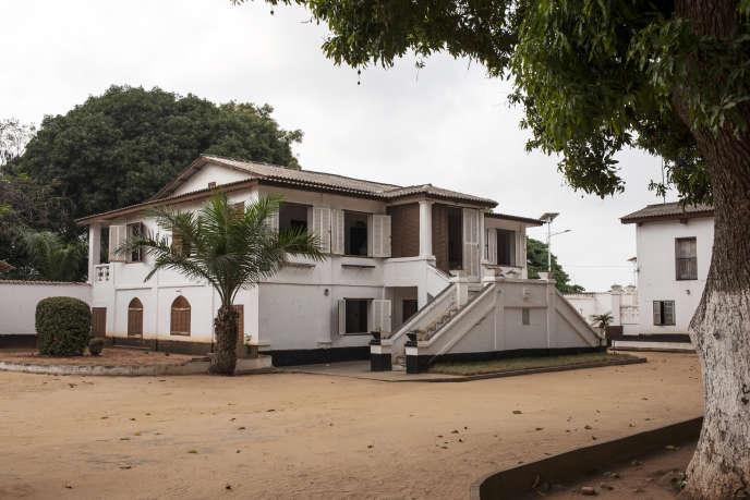 Le fort portugais de Ouidah (Bénin) sera transformé en musée d'ici à 2020 et pourra accueillir d'autres objets restitués. En photo : le Musée d'histoire de la ville en janvier 2017.