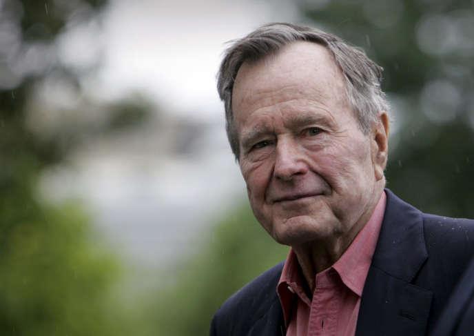 Le 11 mai 2008, George H.W. Bush lors d'une visite à la Maison Blanche.