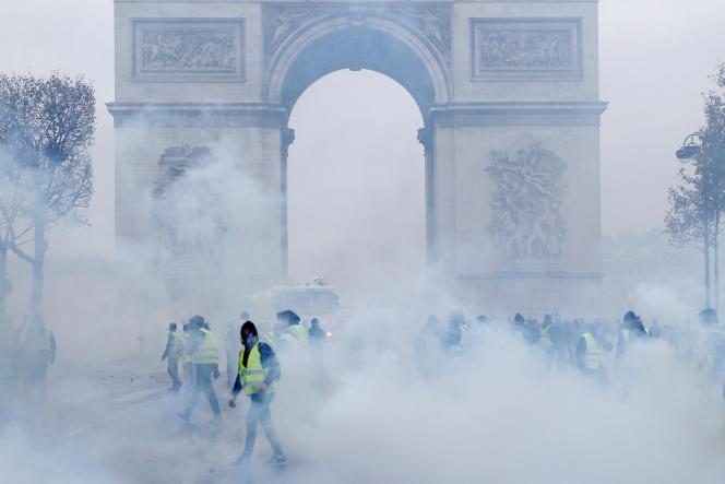 Samedi 1er décembre, l'Arc de Triomphe à Paris.