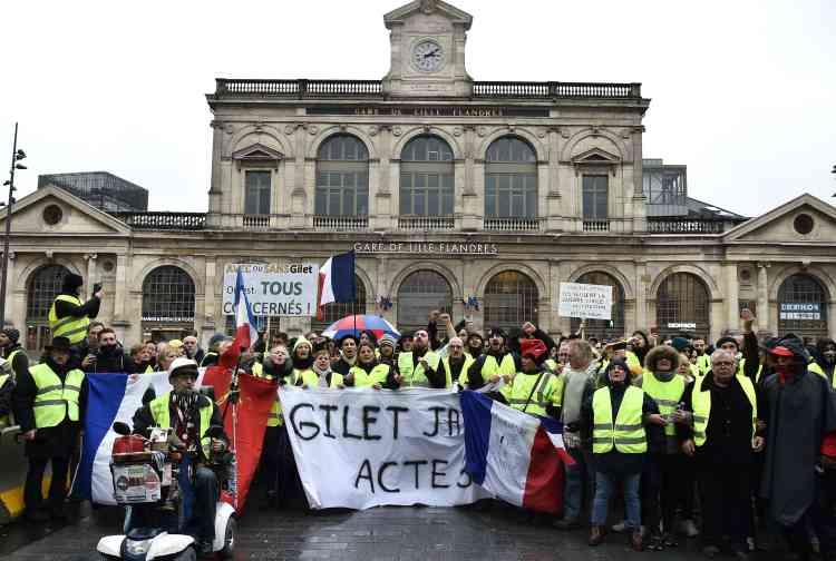 Le rassemblement des « gilets jaunes» à Lille, devant la gare de Lille-Flandres, s'est déroulé dans le calme.