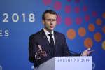 Emmanuel Macron a réagi aux violences survenues en marge des rassemblements des gilets jaunes, samedi 1er janvier à Paris.