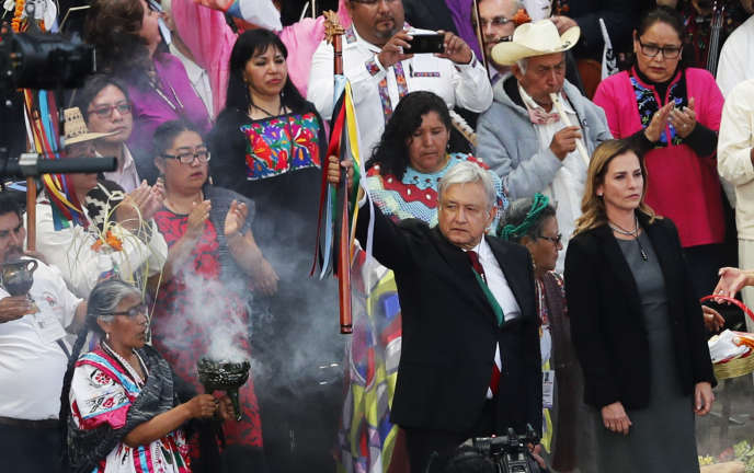 Le président mexicaina été intronisé par un représentant des peuples indigènes mexicains, et a fait l'objet d'un rituel de purification.