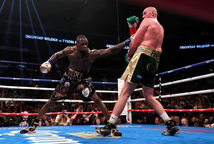 Cette rencontre n'aura pas réussi à départager les deux boxeurs invaincus.
