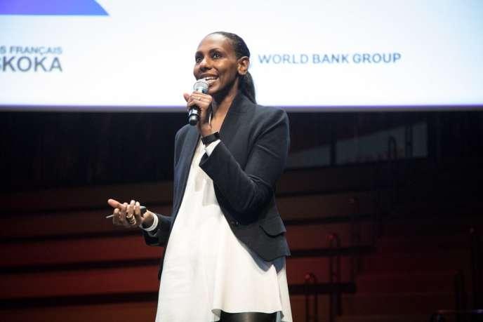 La journaliste soudanaise Nima Elbagir aux Débats du« Monde Afrique», le 28novembre 2018, au musée du Quai Branly-Jacques Chirac.
