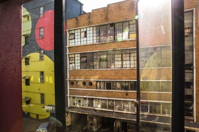 De nombreux bâtiments du centre de Johannesburg, à l'abandon et souvent squattés, pourraient devenir des logements sociaux.