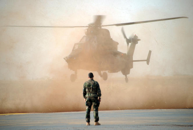 Un hélicoptère de l'armée française à Sévaré, au Mali, en février 2013.