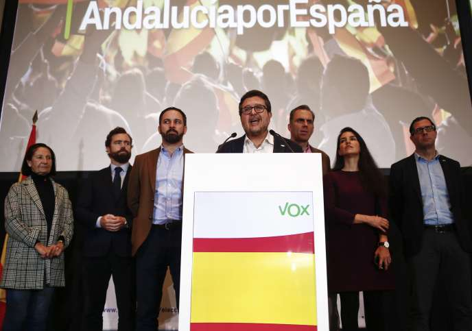 Francisco Serrano, candidat de Vox en Andalousie, lors d'un conférence de presse, à Séville, lundi 3 décembre.