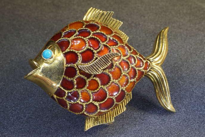 Ce pendentif Art déco, en platine, vendu le 15 décembre à l'hôtel des ventes de Montpellier,est estimé entre 400 et 600 euros.