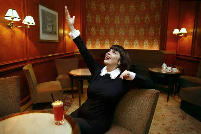 Un apéro avec Mireille Mathieu: «On m'a tellement prise pour une nunuche…»