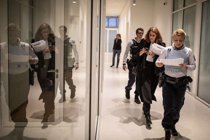 Des comparutions immédiates ont eu lieu lundi 3 décembre au tribunal de grande instance de Paris à la suite des violences du samedi 1er décembre.
