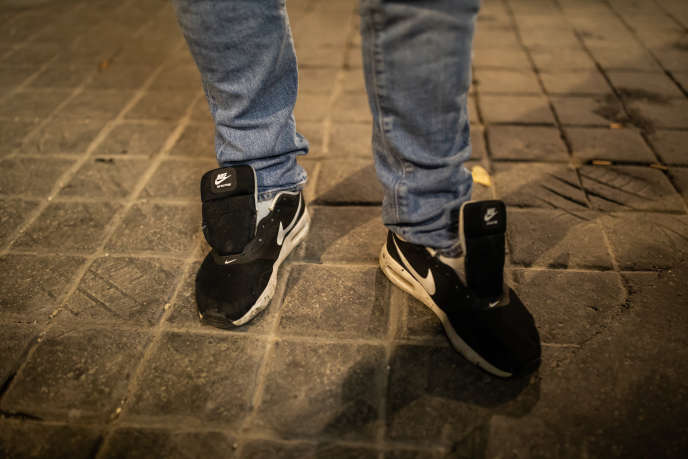 Paires De Esprits Dizaines Chaussure Criminels Ferme tqxSZRpn