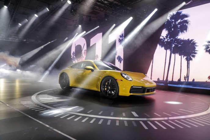 La 911 présentée le 29 novembre au Salon de Los Angeles en jaune criard très californien.