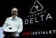 Le fondateur de Free, Xavier Niel, dévoile la Freebox Delta.