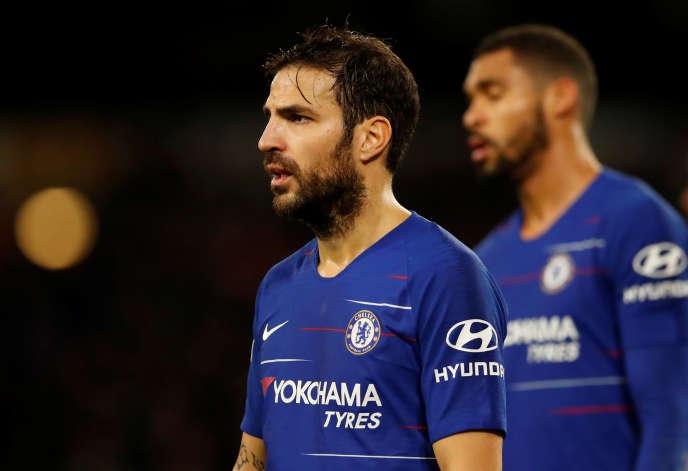 Cesc Fabregas, qui ne joue pas beaucoup à Chelsea, pourrait rebondir au Paris Saint-Germain dès cet hiver.