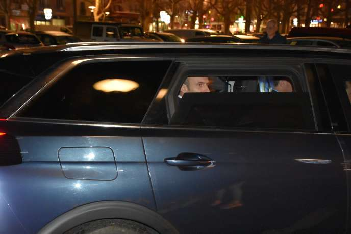 Emmanuel Macron,après sa visite à la préfecture du Puy-en-Velay, où le cortège présidentiela été conspué,le 4 décembre.
