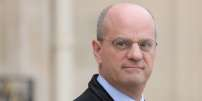 French Education Minister and Youth Affairs Jean-Michel Blanquer leaves the Elysee presidential Palace after attending the weekly cabinet meeting on December 5, 2018 in Paris. / AFP / ludovic MARIN