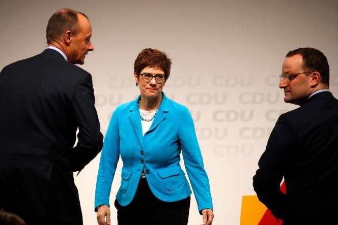 Friedrich Merz, Annegret Kramp-Karrenbauer et Jens Spahn, candidats à la tête de l'Union chrétienne-démocrate (CDU), le 30 novembre, à Berlin.