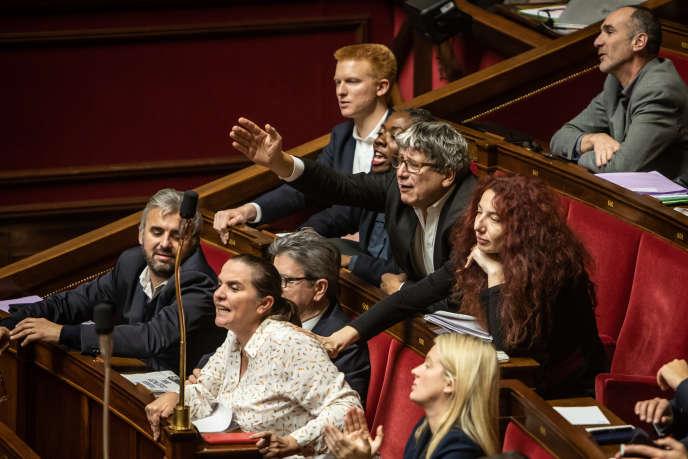 Les députés de La France insoumise s'insurgent des déclarations du ministre de l'écologie François de Rugy, à l'Assemblée nationale, le 4 décembre.