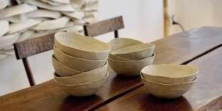 La table à gorge dite « 8 couverts », de Charlotte Perriand, s'est arrachée à 175 500 euros, le20 novembre, à la vente organisée par Artcurial.