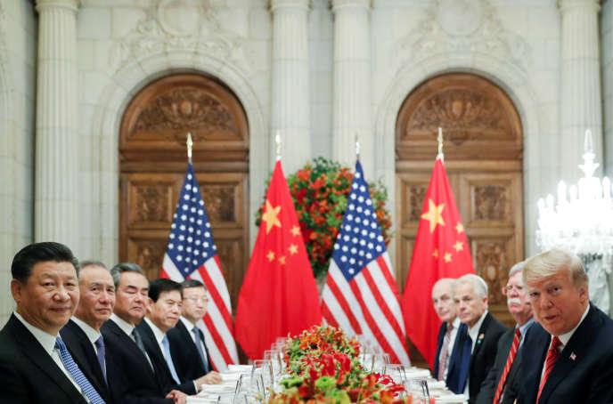 Xi Jinping, Donald Trump et leurs délégations, à Buenos Aires, le 1er décembre.