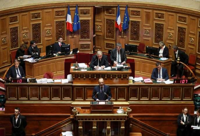 Edouard Philippe avait annoncé l'annulation de la taxe sur les carburants dans un discours au Sénat, jeudi 6 décembre.