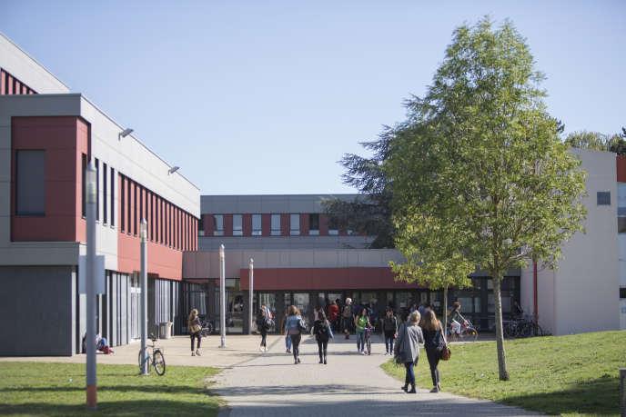 « Réserver la quasi-gratuité aux seuls citoyens français et européens qui s'inscriront demain dans une université française ne repose sur aucune justification objective.» Photo : université de Poitiers.