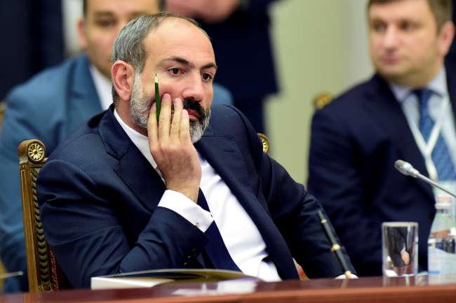 Le premier ministre arménien, Nikol Pachinian, lors du Conseil économique suprême eurasien, à Saint Petersbourg (Russie), le 6 décembre.