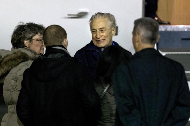 Francis Collomp lors de son retour en France, peu après sa libération, en 2013.