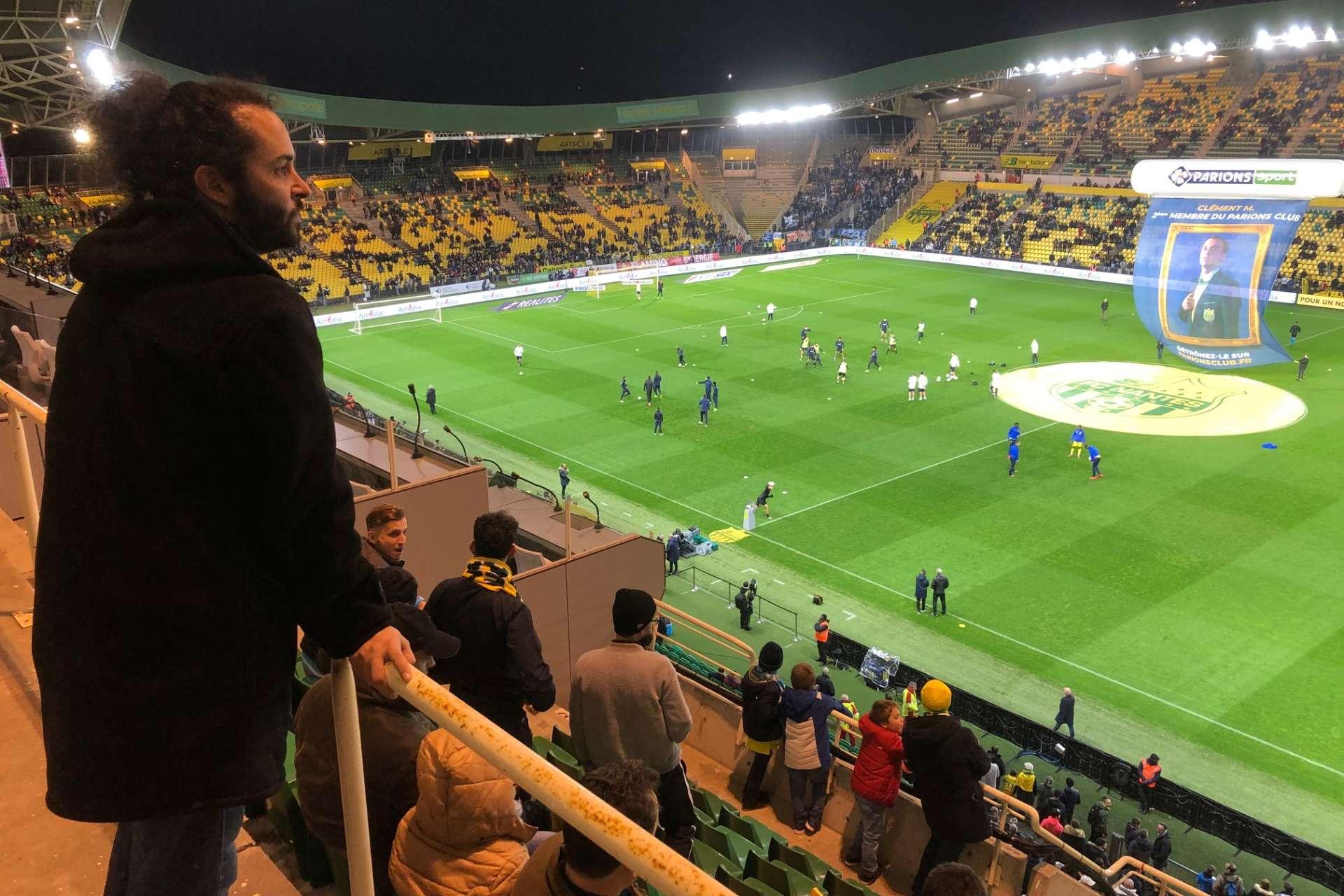 Ludovic Soulard, responsable de la N2, de Nantes et Angers pour « Football  Manager », à l échauffement du FC Nantes. W. A. bcf062f18e5d