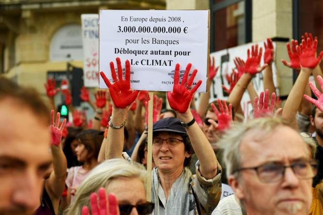 Manifestation pour le climat, à Bordeaux, le 13 octobre.