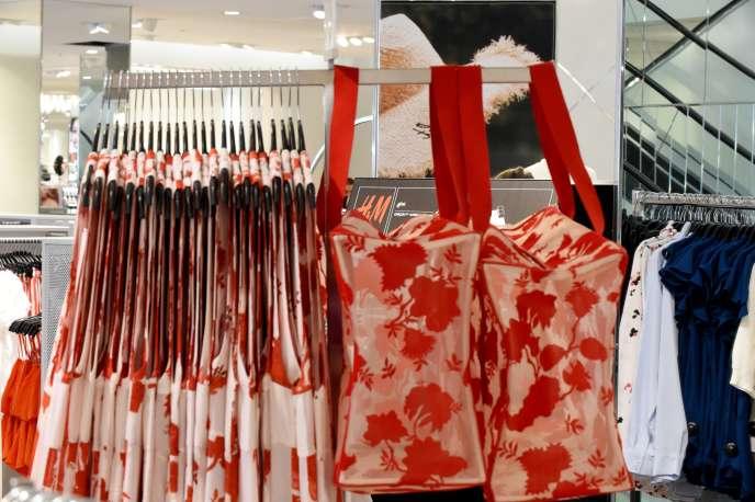 A fin décembre, le marché français du textile et de l'habillement affichera un recul d'activité.