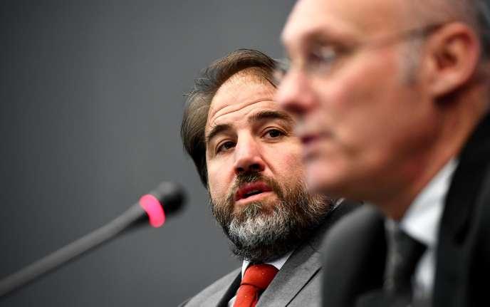 Bernard Laporte, le président de la Fédération française de rugby (à droite), et Serge Simon, le vice-président, en décembre2016.