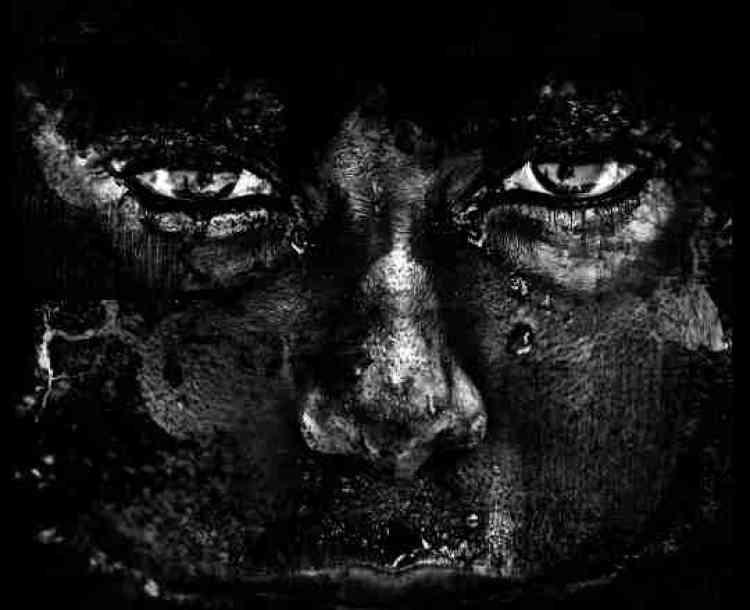 «Miroir de l'âme, de l'indicible, du silence et des trous noirs de l'esprit.»