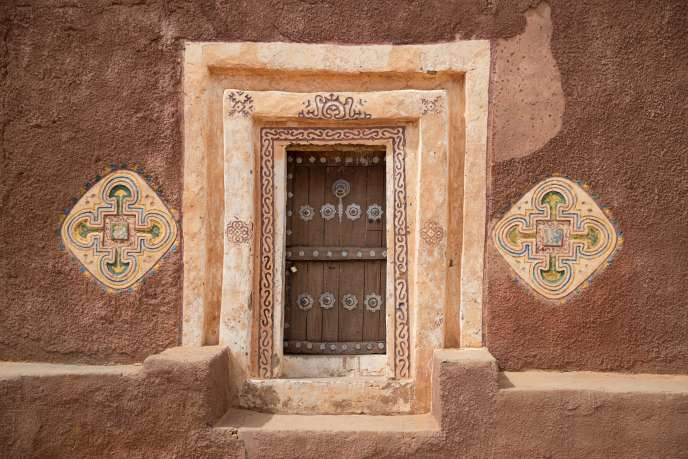 L'entrée d'une maison traditionnelle de la ville ancienne de Oualata, au sud-est de la Mauritanie, en novembre 2018.