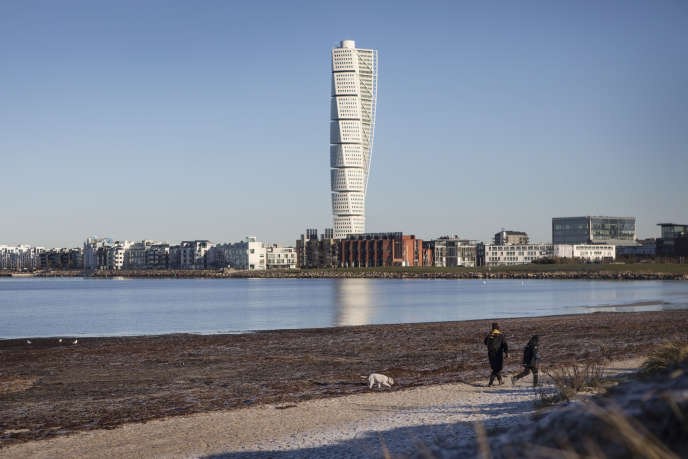 L'Espagnol Santiago Calatrava a signé le projet-phare «Turning Torso», une contorsion en neuf blocs s'élevant à 190mètres.