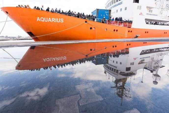 """«Dont acte, la politique de harcèlement judiciaire, administratif, politique aura eu raison de l'""""Aquarius"""", déployé entre 2015 et le milieu de l'année 2018 en mer Méditerranée. »"""